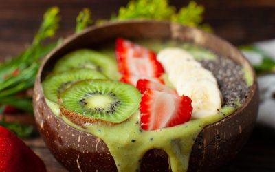 Kiwi Dragonfruit Smoothie Bowl