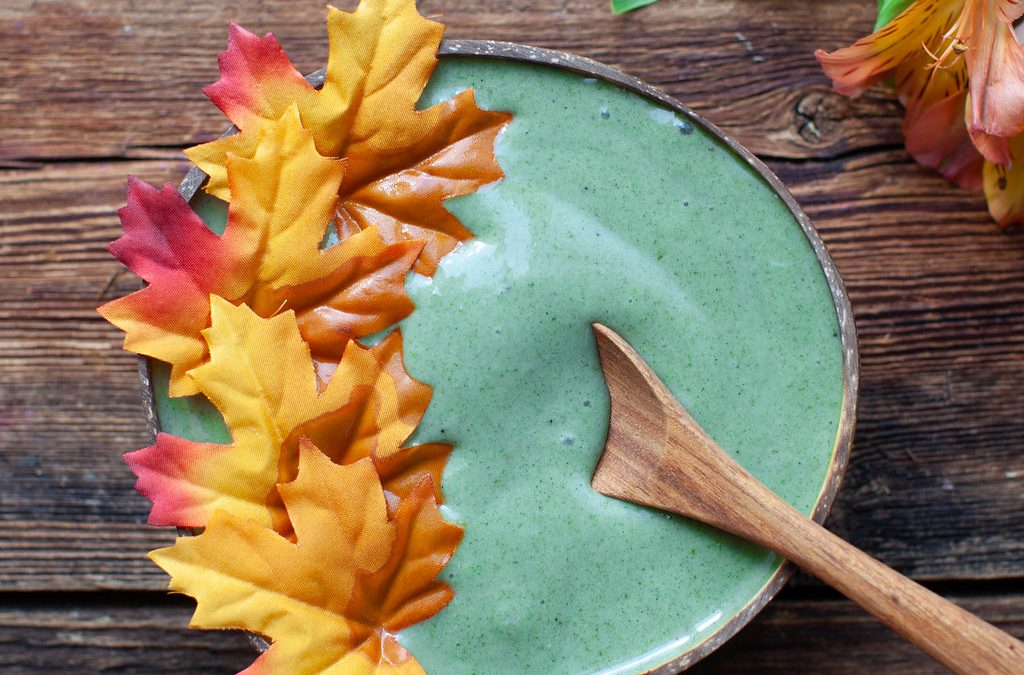Green Apple Banana Spice Smoothie Bowl