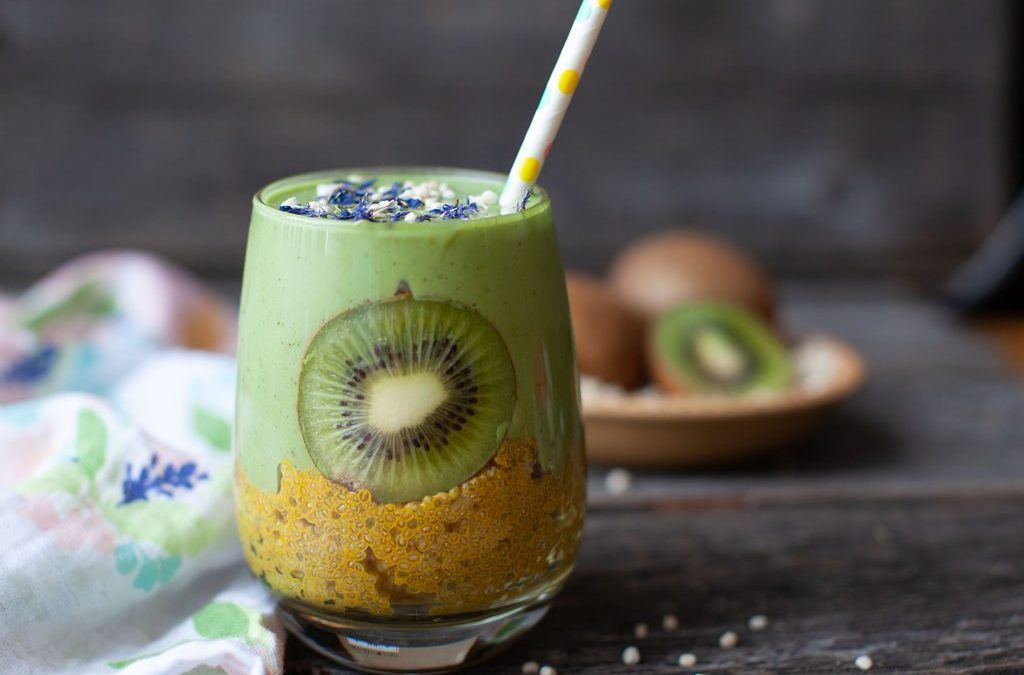 Green Kiwi Mango Smoothie with Banana Lemon Chia Bottom