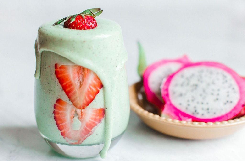 Kiwi Dragonfruit Coconut Smoothie